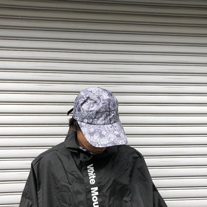 -〔MEN'S〕〔WOMEN'S〕-  WHITE MOUNTAINEERING ホワイトマウンテニアリング    BANDANA PRINTED LONG VISOR CAP