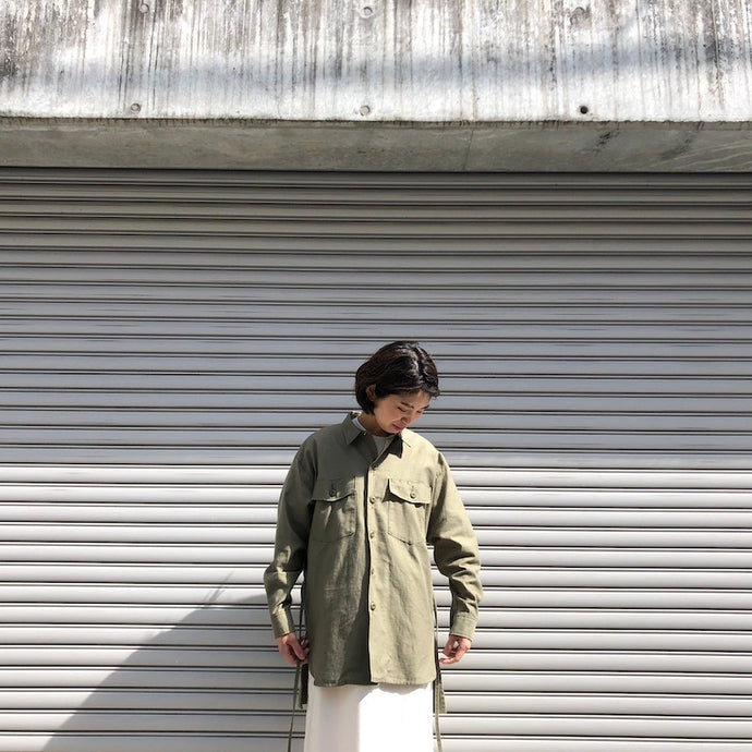 -〔WOMEN'S〕-  KHA:KI カーキ  WIDE FATIGUE SHIRT