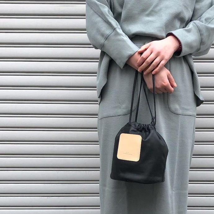 -〔WOMEN'S〕-  SCYE サイ  SOFT LEATHER DRAWSTRING BAG