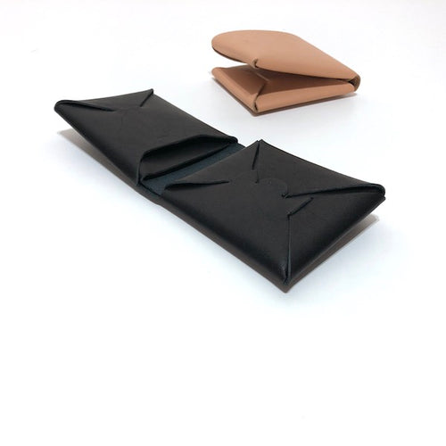 -〔DAILY NECESSARIES〕-  irose イロセ  SEAMLESS SHORT WALLET