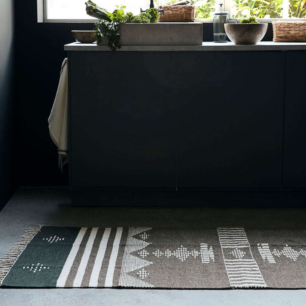 Coto brown and black rug by House doctor