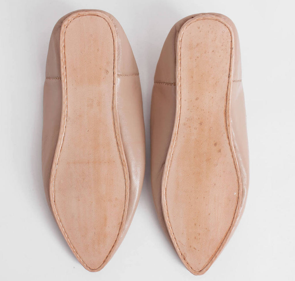 Pointed toe Moroccan leather slippers