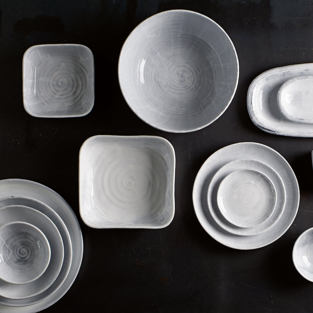 Tine k DELI plates and bowls