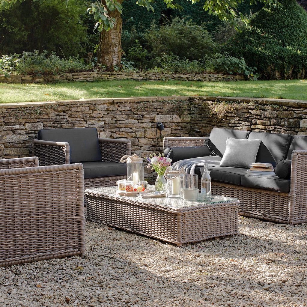 Harting outdoor sofa set by Garden Trading