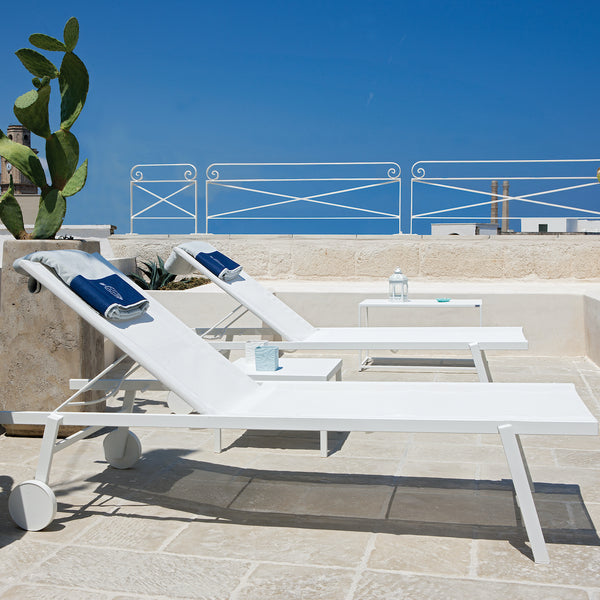 sofy sun lounger in white