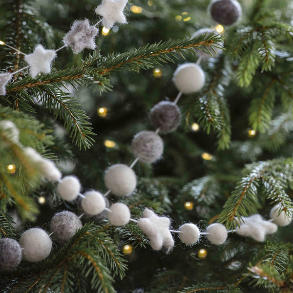 white star and pompom garland