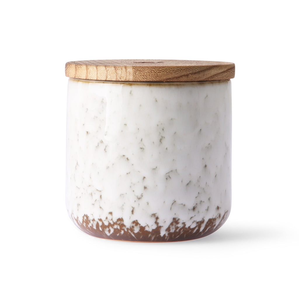 Norther soul scented candle in white stoneware jar with wooden lid