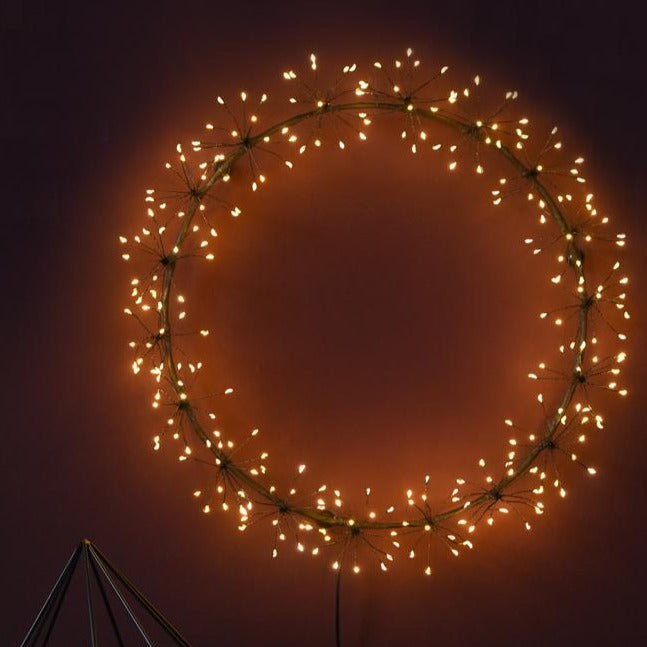 round black wreath light