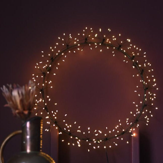 indoor or outdoor starburst wreath light