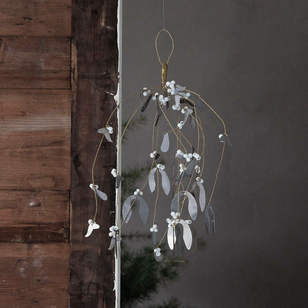 Metal mistletoe handing decoration large
