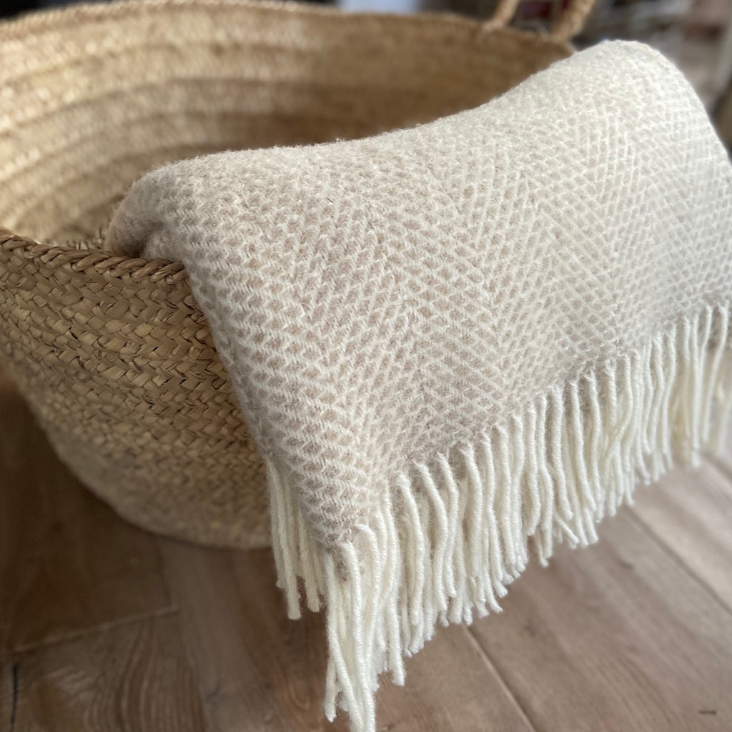 beehive throw wool