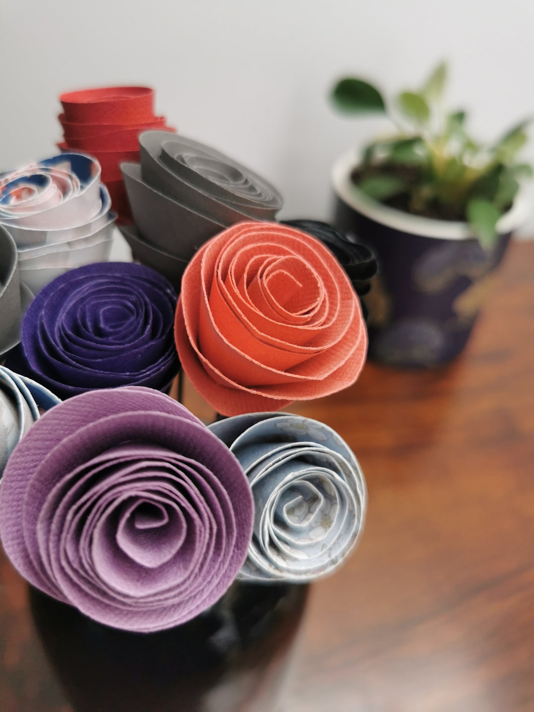 Paper Circle Flowers - Multi-coloured (bunch of 10)