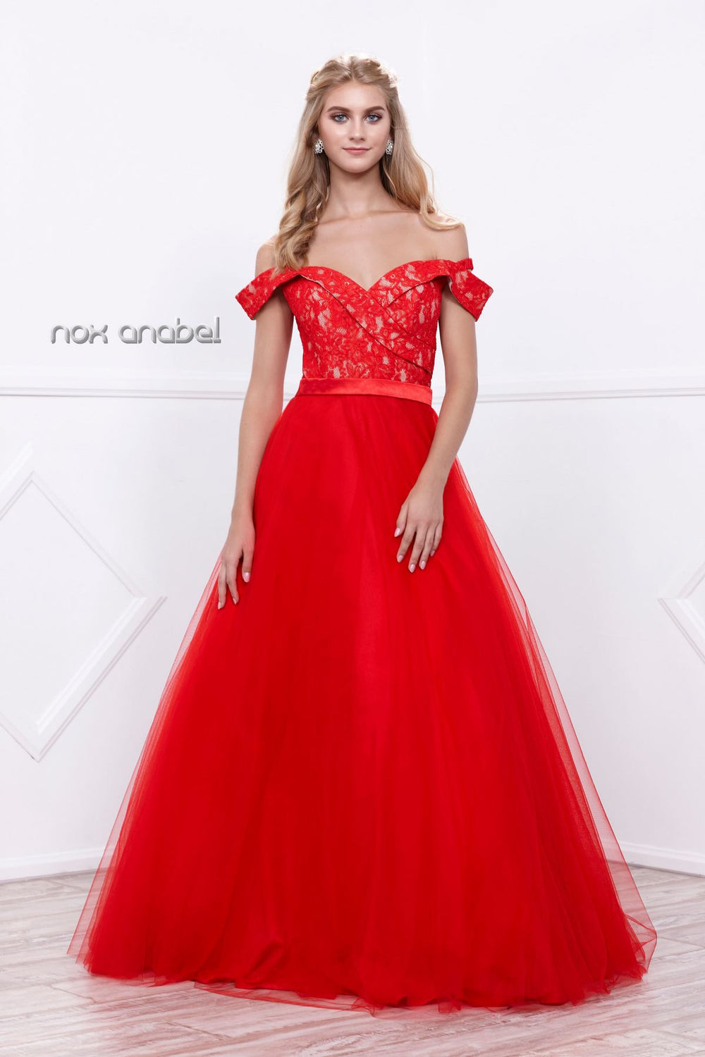 OFF-SHOULDER SWEETHEART NECKLINE LACE EVENING BALLGOWN