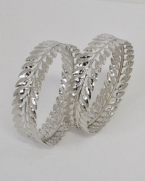 Set of 2 Textured Leaf Design Bangles