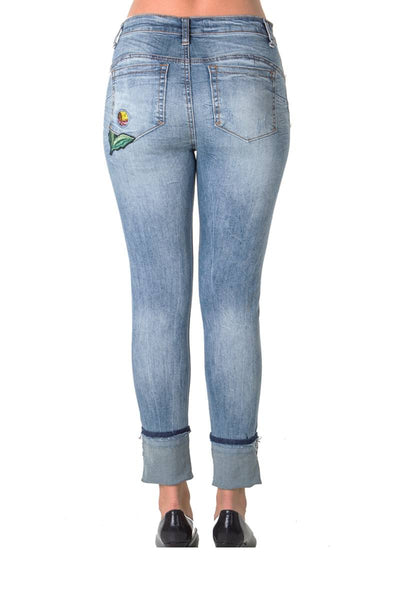 Ladies fashion denim capri with patches and pocket embroidered