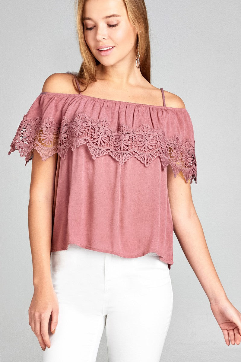 Ladies fashion open shoulder flounce w/crochet lace crinkle gauze woven top