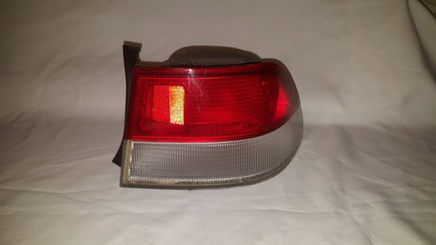 1999 - 2000 HONDA CIVIC 2DR COUPE OEM RIGHT TAIL LIGHT