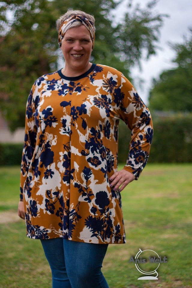 Lilly -  Dress or Blouse with inverted pleat