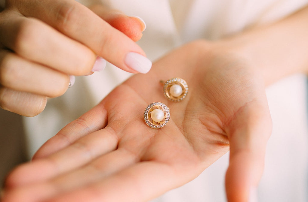 Diamonds or Pearls, which is best?