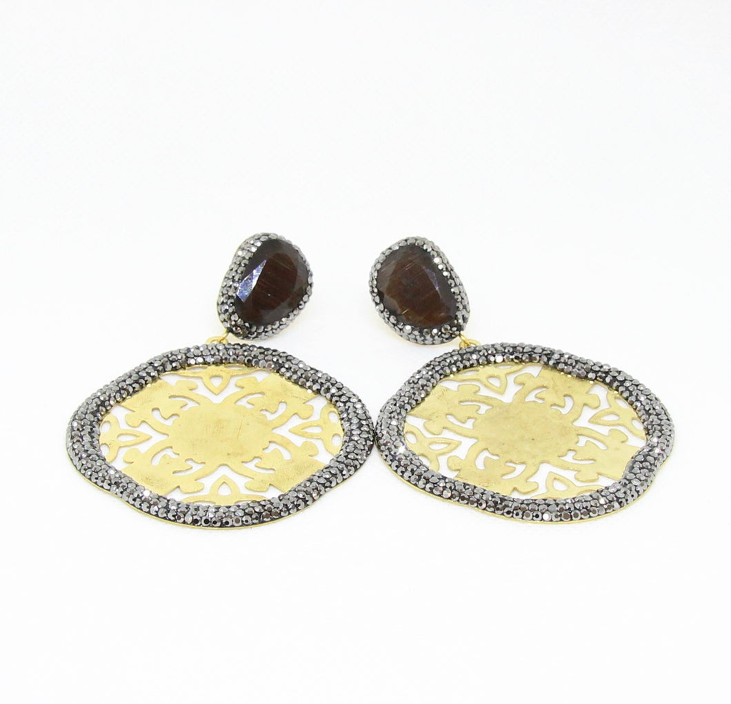 Gold Oxigon Shape Cut Outs with Black Stone