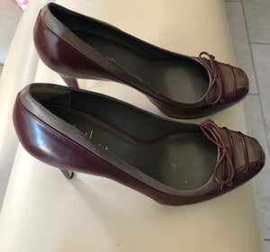 Cole Haan all leather high heel pump in Burgundy with Grey Trim