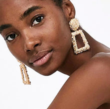 Load image into Gallery viewer, Penelope Textured Drop Earrings