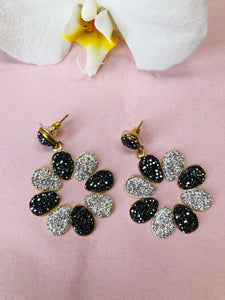 Evelina Noir et Argent Earrings