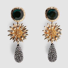Load image into Gallery viewer, Naomi Flower Dangle Earrings