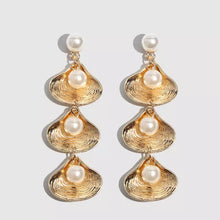Load image into Gallery viewer, Seashell Pearl Long Drop Earrings