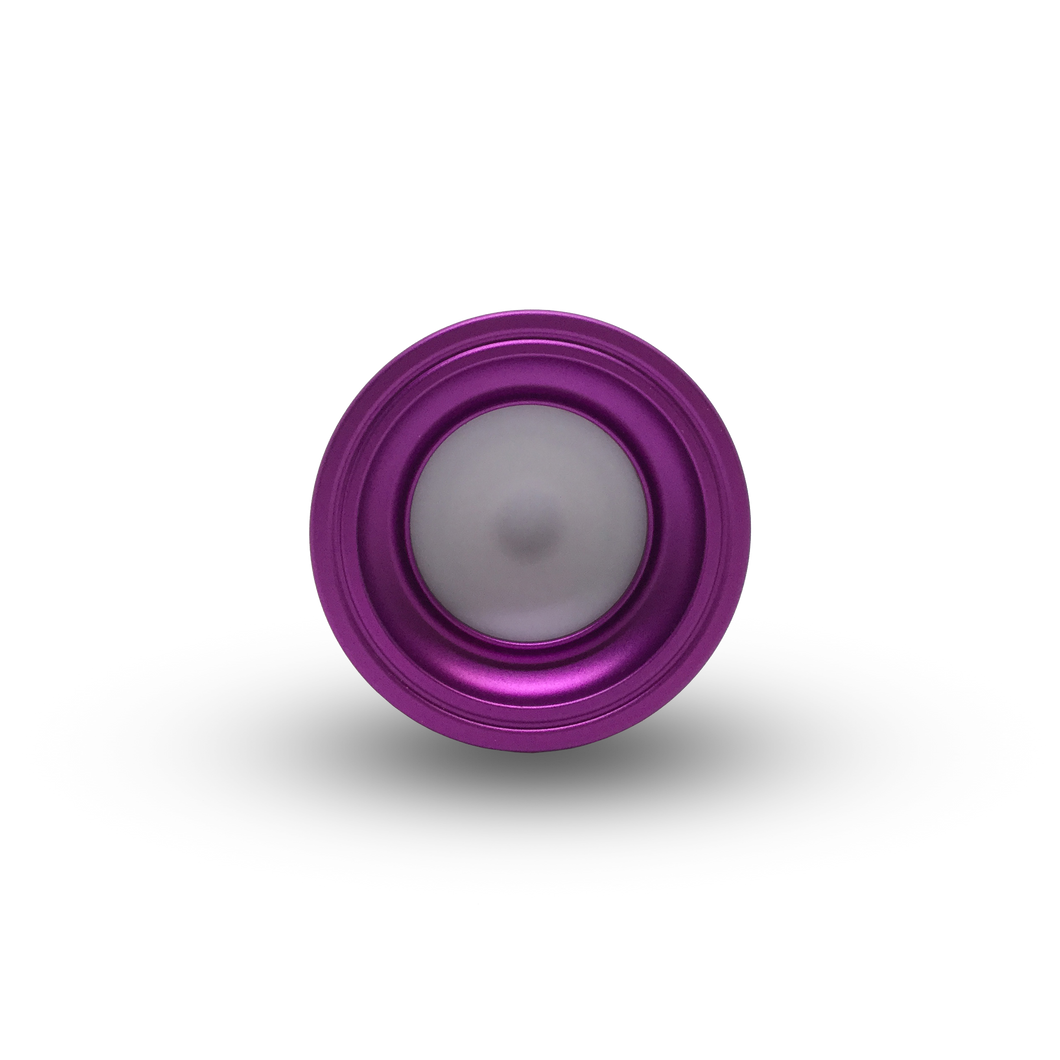 Amarok is the best yoyo for players seeking a fingerspin yoyo that doesn't compromise on performance. This professional yoyo is designed to handle anything you can throw at it and is one of the best yoyos for intermediate to advanced players. Limited edition colour, so buy this yoyo online while you can!
