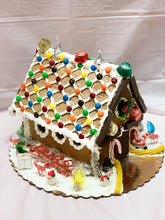 Load image into Gallery viewer, Gingerbread House