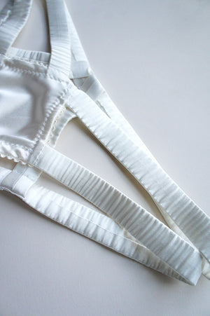 Elektra Caged Ouvert Panty Off White Silk