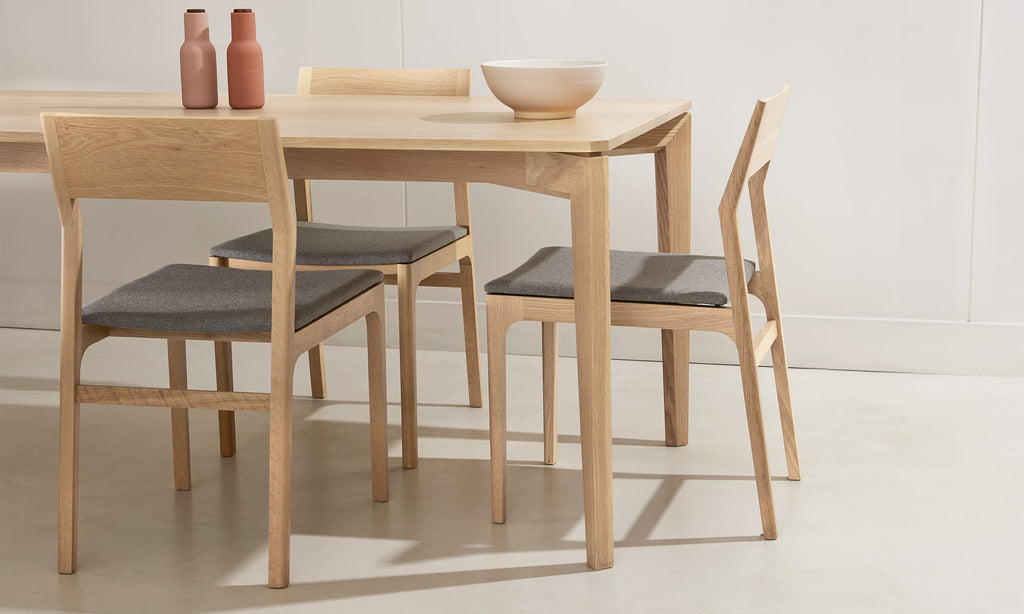 T110 | Dining table