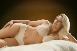 A-2460 Underwire Seamless Minimizer - thegsnd