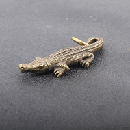 Mini Brass Crocodile Statue Vintage Key Chain Decoration Ornament Animal Sculpture Home Office Desk Ornament Funny Toy Gift - thegsnd