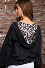 Solid Pullover Windbreaker with leopard contrast