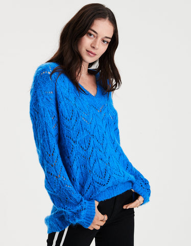 AE Slouchy V-Neck Pullover Sweater in Blue