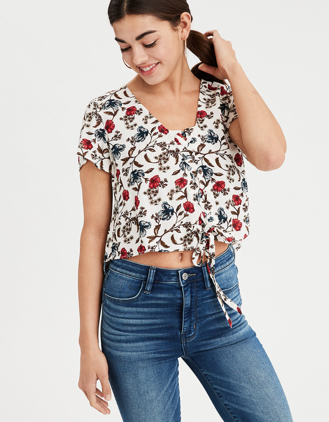 297ff3181cc American Eagle | AE Floral Lace Up Crop Top in Cream | American ...
