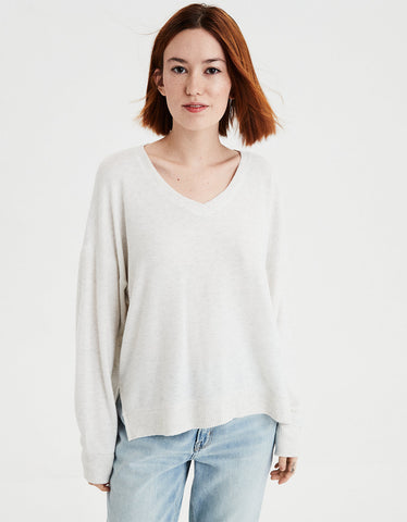 AE Plush Long Sleeve V-Neck Top in Gray