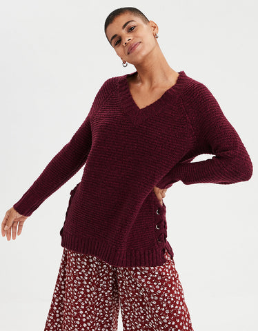 AE Chunky V Neck Pullover Sweater in Burgundy
