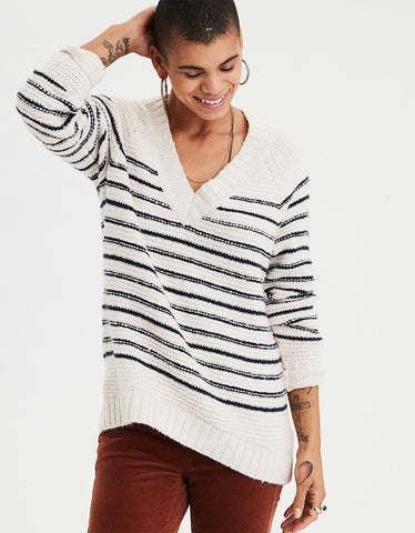 AE Chunky V Neck Sweater in Cream