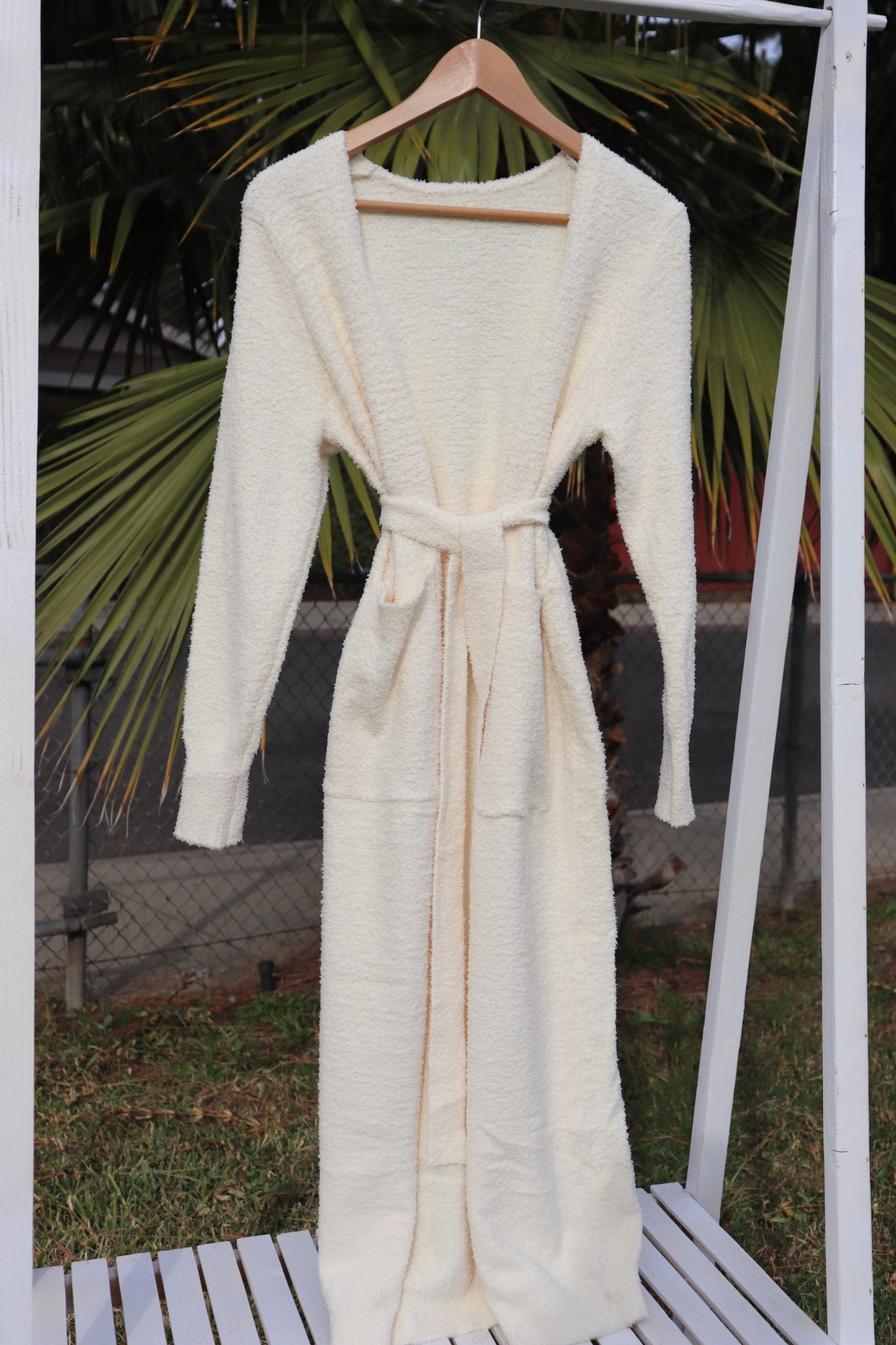 ONE SIZE - Bella Ivory Robe