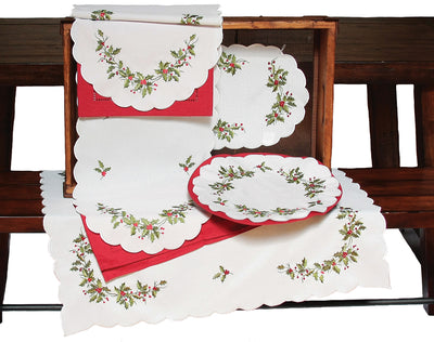 XD14790 Mistletoe Table Runner