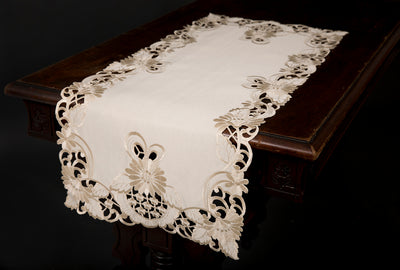 "XD17104 Delicate Daisy Table Runner,15""x34"""