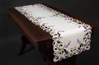 XD17107 Lavender Lace Table Runner