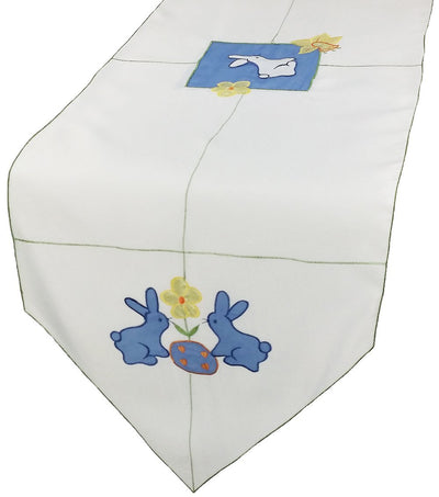 XD67703 Baby Bunnies Table Runner