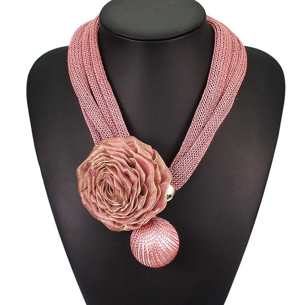 Chunky Faux Pearl Pendant Necklace Rose Flower- Pink
