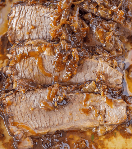 Beef Brisket with caramelized onions in juicy sauce