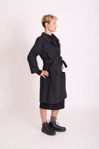 Trenchcoat KOLO Berlin Streetwear gender neutral design urban wear kleidung online shop