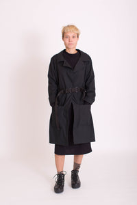 KOLO Berlin Trench Coat schwarz Streetwear gender neutral design urban wear kleidung online shop